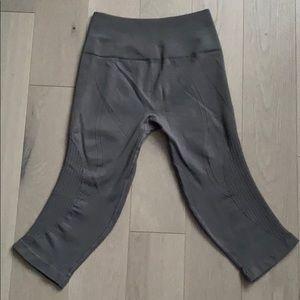 lululemon athletica Pants - FINAL PRICE Lululemon Seamless Compression Crops